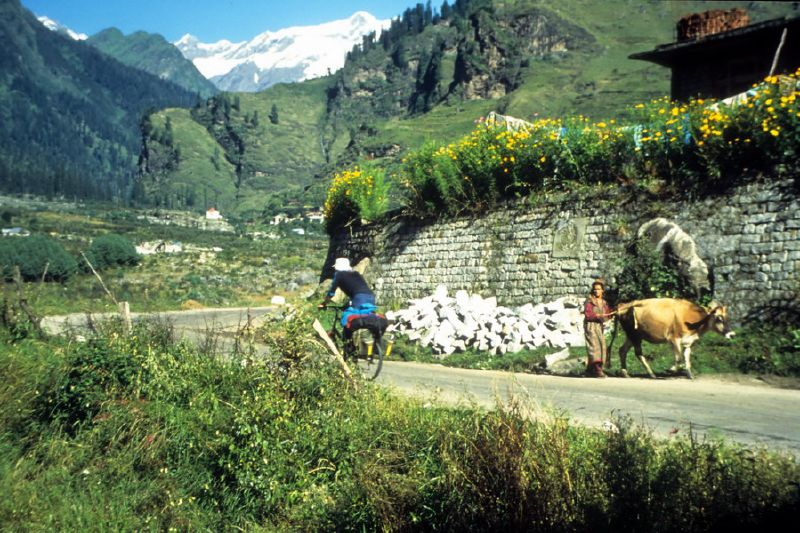 00011_Road near Manali