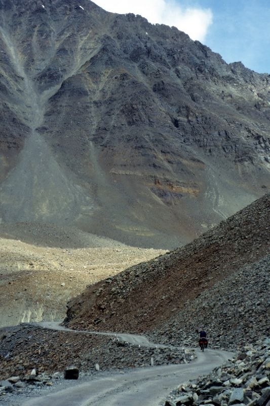 00052_Climbing Baralachala