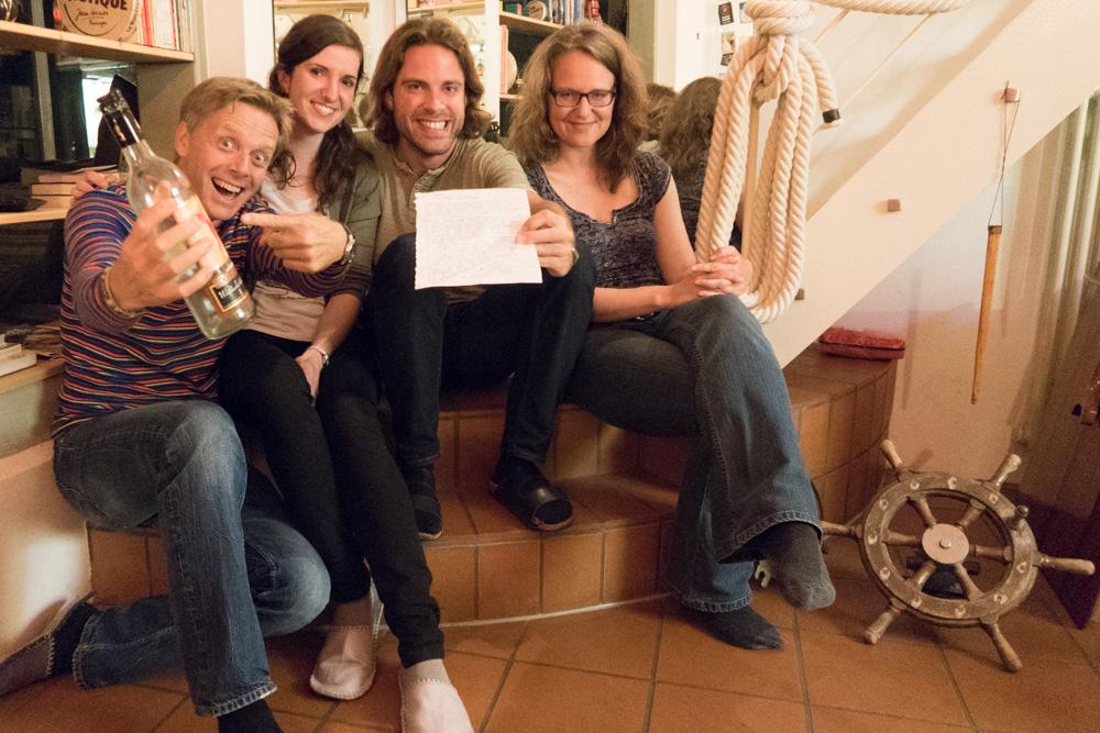 Peter der Rudergänger, Steffe die Flaschenpostschreiberin, Jan der Skipper und Gesine die Analytikerin.